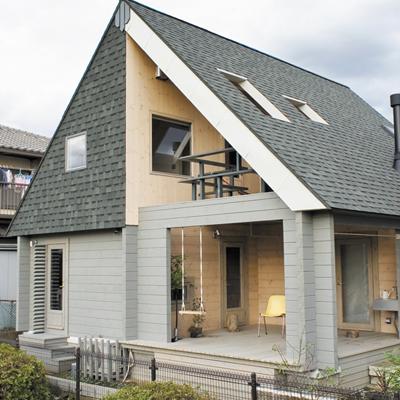 楽しむ生活×アート×ログハウス。モダンデザインの開放的な家