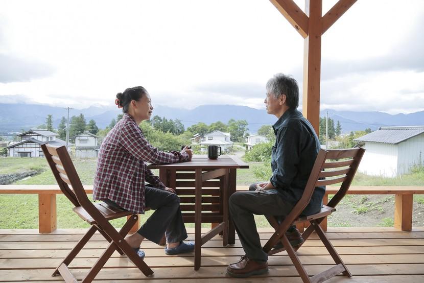 ログハウスで山を眺めながら暮らす。 夢をかなえた二拠点生活がスタート