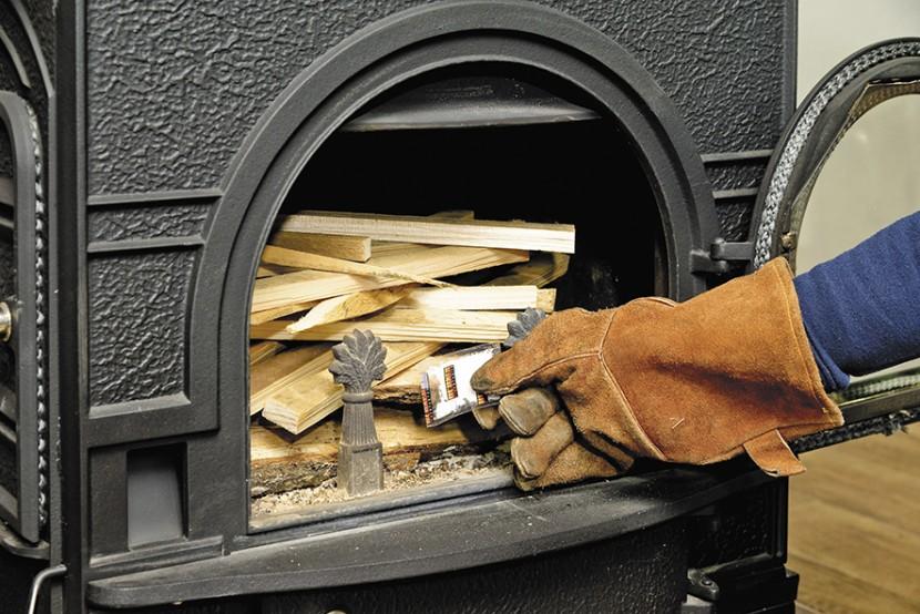 シンプルな中に極意あり! 薪ストーブの上手な焚き方【その4】